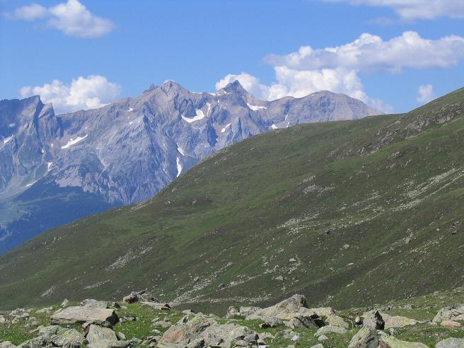 Foto: Andreas Koller / Wander Tour / Über den Rotpleiskopf (2936 m) / Im Abstieg mit Blick auf die Passeierspitze (3036 m) / 24.04.2007 12:34:45