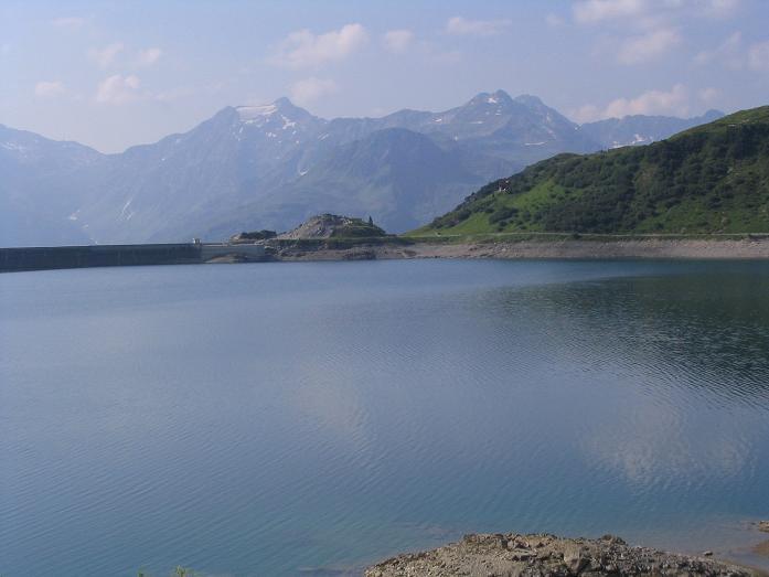 Foto: Andreas Koller / Wander Tour / Vom Spullersee auf den Spuller Schafberg (2679 m) / Der Spuller See / 24.04.2007 12:54:33