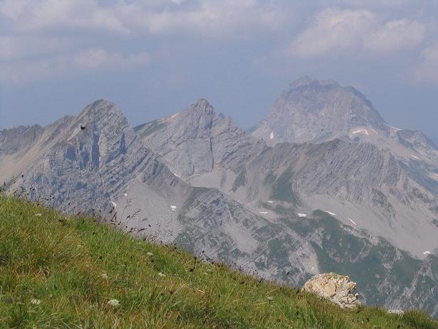 Foto: Andreas Koller / Wander Tour / Vom Spullersee auf den Spuller Schafberg (2679 m) / Blick auf die Rote Wand (2703 m) / 24.04.2007 12:57:47