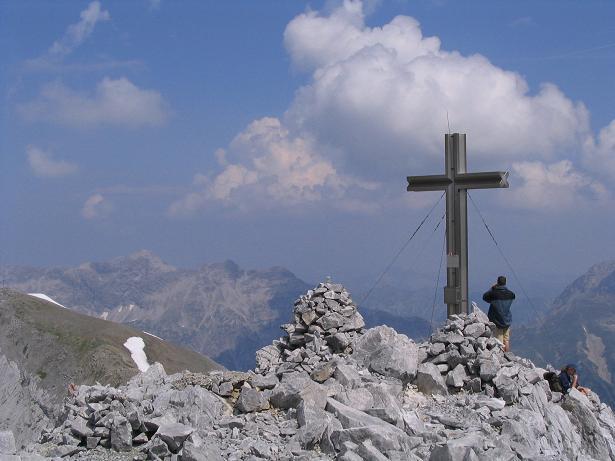 Foto: Andreas Koller / Wander Tour / Vom Spullersee auf den Spuller Schafberg (2679 m) / Am Gipfel des Schafberg / 24.04.2007 12:59:15
