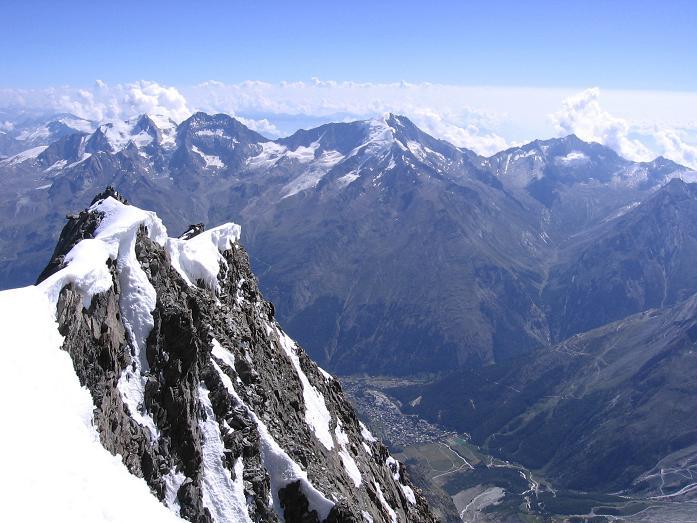 Foto: Andreas Koller / Wander Tour / Der Dom - auf das Dach der Schweiz (4545 m) / Weißmieskamm (4023 m) und Saaser Tal / 04.05.2007 22:47:11
