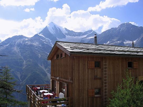 Foto: Andreas Koller / Wander Tour / Der Dom - auf das Dach der Schweiz (4545 m) / Die neue Europahütte / 04.05.2007 22:43:47