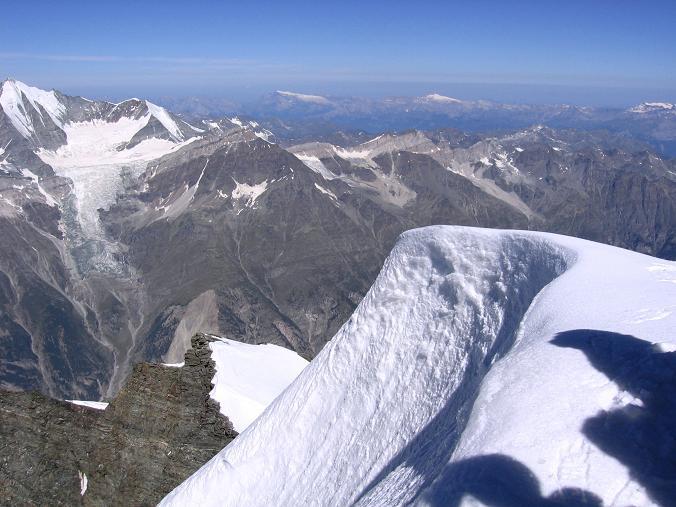 Foto: Andreas Koller / Wander Tour / Der Dom - auf das Dach der Schweiz (4545 m) / Gipfelwächte am Dom / 04.05.2007 22:46:21