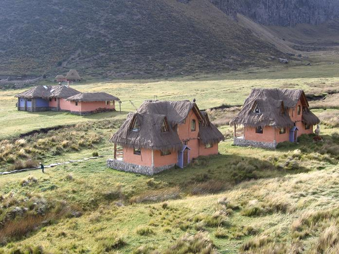 Foto: Andreas Koller / Wander Tour / Wandertour in große Höhen im Chimborazo-Massiv (4463 m) / Marco Cruz Chimborazo Basecamp / 11.05.2007 01:00:54