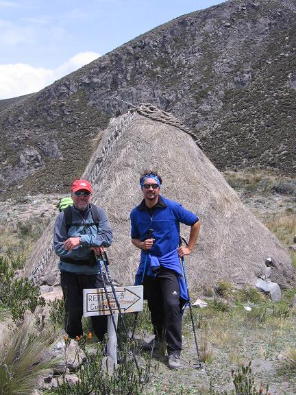 Foto: Andreas Koller / Wander Tour / Wandertour in große Höhen im Chimborazo-Massiv (4463 m) / Lager Curipoguio / 11.05.2007 01:01:53