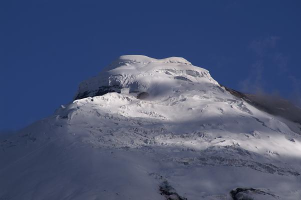 Foto: Andreas Koller / Wander Tour / Cotopaxi (5897 m) / Die Gipfelkalotte des mächtigen Cotopaxi / 19.02.2007 00:13:32