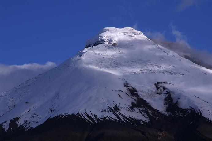 Foto: Andreas Koller / Wander Tour / Cotopaxi (5897 m) / Der Cotopaxi im Abendlicht / 09.04.2007 21:50:56