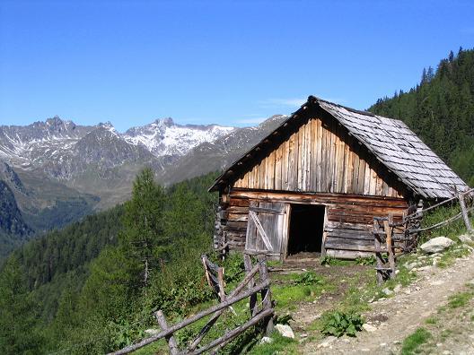 Foto: Andreas Koller / Wander Tour / Rupprechtseck - Runde (2591 m) / Bei der kleinen Schrattnerhütte / 29.04.2007 23:52:43