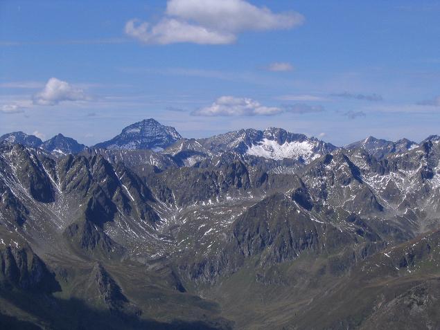 Foto: Andreas Koller / Wander Tour / Rupprechtseck - Runde (2591 m) / Im Nw grüßt der Hochgolling (2863 m) / 29.04.2007 23:54:01