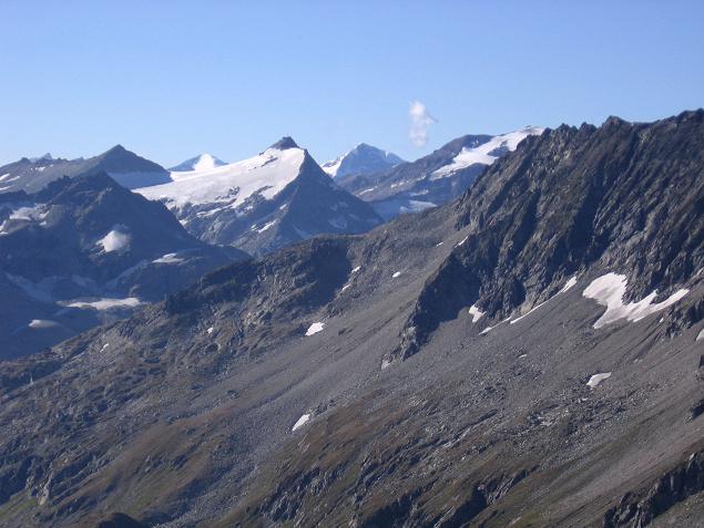 Foto: Andreas Koller / Wander Tour / Jamnighütte - Feldseekopf - Hagenerhütte (2864 m) / Blick nach W auf den Rauriser Sonnblick / 27.04.2007 20:08:01