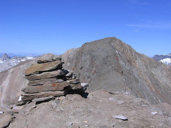 Foto: Andreas Koller / Wandertour / Ins Herz der Granatspitzgruppe (3232 m) / Blick vom Kleinen auf den Großen Muntanitz / 09.05.2007 00:38:43
