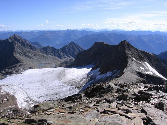 Foto: Andreas Koller / Wandertour / Ins Herz der Granatspitzgruppe (3232 m) / Gradötzkees und Gradötzspitze (links) / 09.05.2007 00:40:51