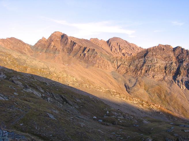 Foto: Andreas Koller / Wandertour / Ins Herz der Granatspitzgruppe (3232 m) / Gradötzspitze im Abendlicht / 09.05.2007 00:41:38