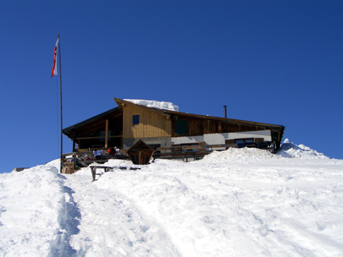 Foto: vince 51 / Wander Tour / Von Elbigenalp zur Bernhardseck Hütte / Die Bernhardseck-Hütte / 29.12.2006 23:09:21