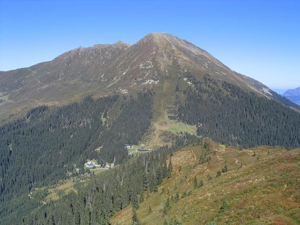 Foto: Andreas Koller / Wander Tour / Vom Loassattel auf den Gilfert (2506 m) / Blick auf den Loassattel und das Kellerjoch (2344 m) / 05.05.2007 18:35:47