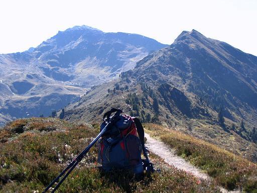 Foto: Andreas Koller / Wander Tour / Vom Loassattel auf den Gilfert (2506 m) / Der Grat über den Gamsstein auf den Gilfert  / 05.05.2007 18:36:25