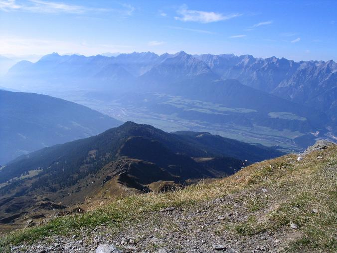 Foto: Andreas Koller / Wander Tour / Vom Loassattel auf den Gilfert (2506 m) / Nach W ins Inntal / 05.05.2007 18:38:22