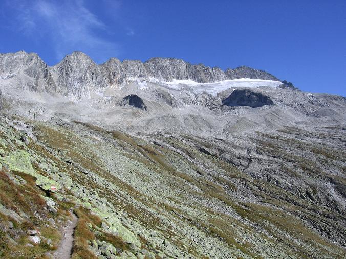 Foto: Andreas Koller / Wander Tour / Auf die Zillerplattenspitze (3148 m) / Der Hannemannweg unterhalb der Zillerplattenspitze / 07.05.2007 22:14:17