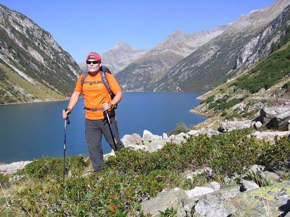 Foto: Andreas Koller / Wander Tour / Auf die Zillerplattenspitze (3148 m) / Aufstieg zur Hohenau Alm / 07.05.2007 22:08:44