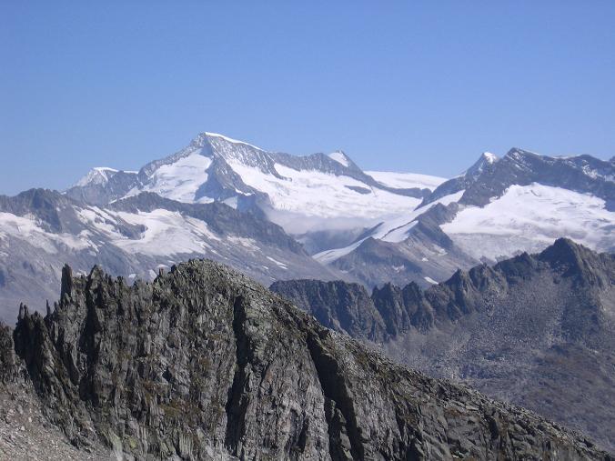 Foto: Andreas Koller / Wander Tour / Auf die Zillerplattenspitze (3148 m) / Blick auf den Großvenediger (3674 m) / 07.05.2007 22:10:27