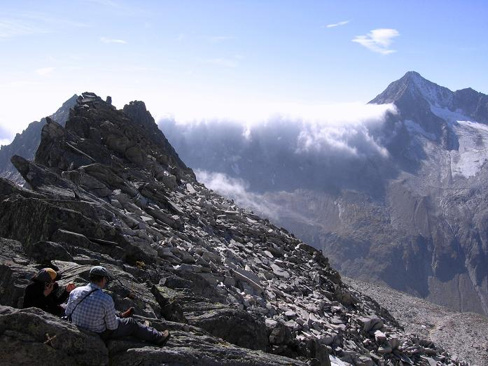 Foto: Andreas Koller / Wander Tour / Auf die Zillerplattenspitze (3148 m) / In der Zillerplatten Scharte (2880 m) / 07.05.2007 22:11:02