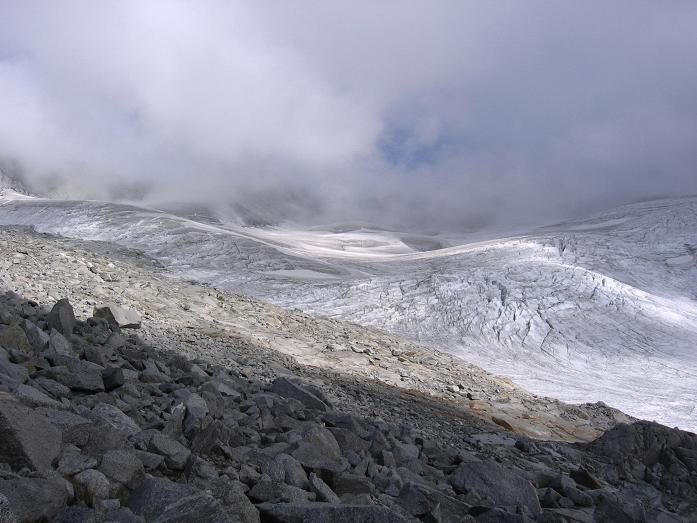 Foto: Andreas Koller / Wander Tour / Vom Neves-Stausee auf den Großen Möseler (3480 m) / Östlicher Nevesferner / 06.05.2007 22:45:28