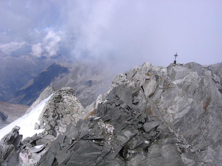 Foto: Andreas Koller / Wander Tour / Vom Neves-Stausee auf den Großen Möseler (3480 m) / Möseler-Gipfel / 06.05.2007 22:43:42