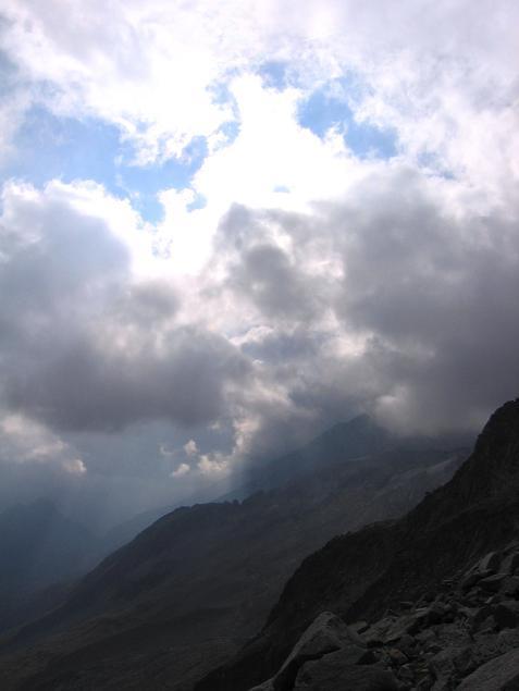 Foto: Andreas Koller / Wander Tour / Vom Neves-Stausee auf den Großen Möseler (3480 m) / Im Abstieg vom Möseler / 06.05.2007 22:41:47