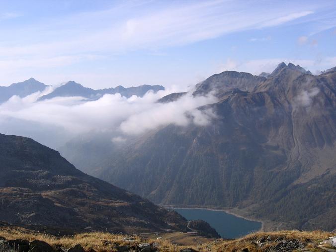 Foto: Andreas Koller / Wander Tour / Vom Neves-Stausee auf den Großen Möseler (3480 m) / Blick auf den Neves-Stausee / 06.05.2007 22:46:19