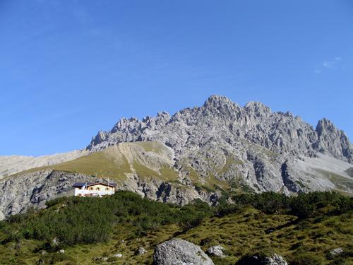 Foto: vince 51 / Wander Tour / Von Boden auf die Kogelseespitze / Hanauer Hütte und Schlenkerspitzen / 29.12.2006 22:21:13
