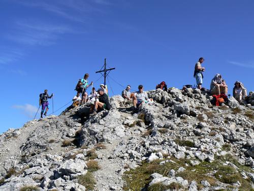 Foto: vince 51 / Wander Tour / Von Boden auf die Kogelseespitze / Gipfel Kogelseespitze, gut besucht / 29.12.2006 22:22:44