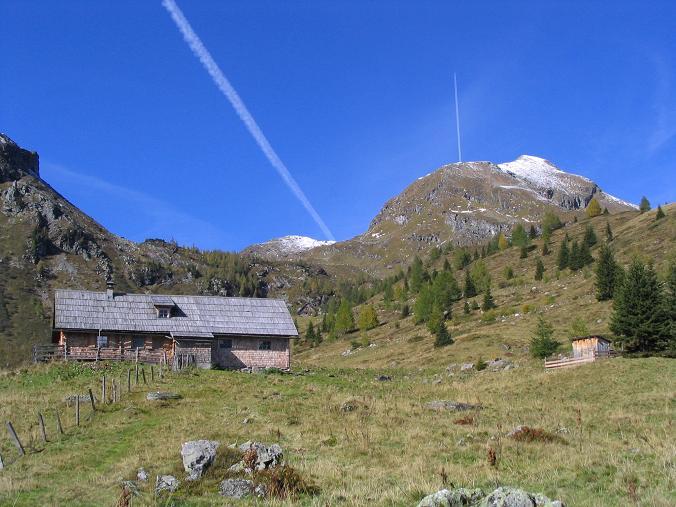 Foto: Andreas Koller / Wander Tour / Aus dem Weißpriachtal auf Gurpitscheck und Gollitschspitze (2526 m) / Die Bernerhütte / 06.05.2007 15:36:07
