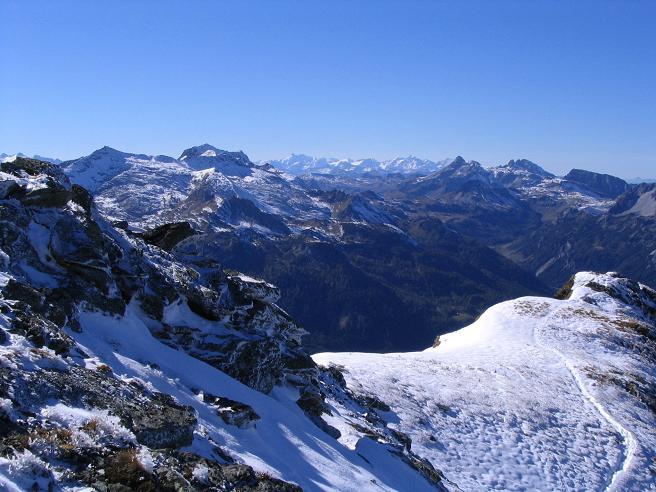 Foto: Andreas Koller / Wander Tour / Aus dem Weißpriachtal auf Gurpitscheck und Gollitschspitze (2526 m) / Blick nach W / 06.05.2007 15:39:08