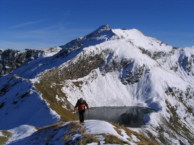 Foto: Andreas Koller / Wander Tour / Aus dem Weißpriachtal auf Gurpitscheck und Gollitschspitze (2526 m) / Anstieg zur Gollitschspitze mit Gurpitschek im Hintergrund / 06.05.2007 15:40:13