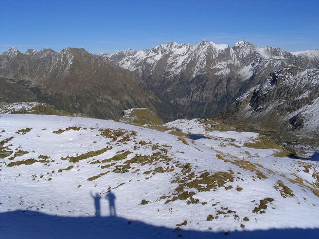 Foto: Andreas Koller / Wander Tour / Aus dem Weißpriachtal auf Gurpitscheck und Gollitschspitze (2526 m) / Blick nach NO in die Niederen Tauern / 06.05.2007 15:41:19