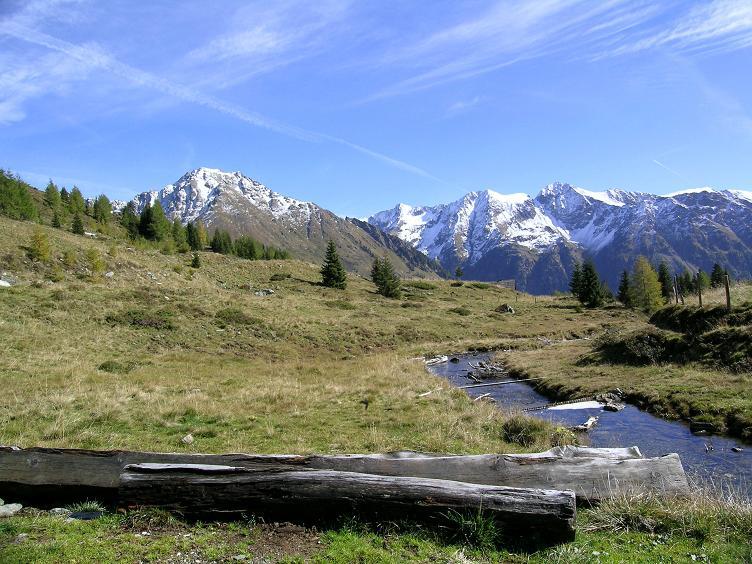 Foto: Andreas Koller / Wander Tour / Aus dem Weißpriachtal auf Gurpitscheck und Gollitschspitze (2526 m) / Wildbach bei der bernerhütte / 06.05.2007 15:36:25