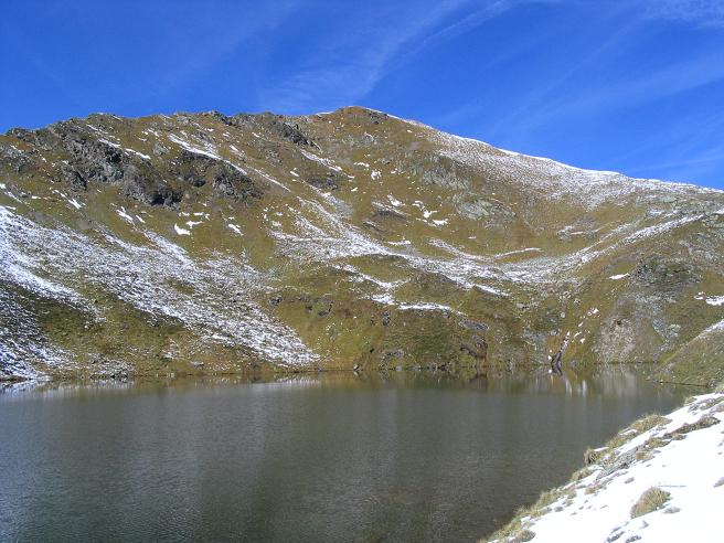 Foto: Andreas Koller / Wander Tour / Aus dem Weißpriachtal auf Gurpitscheck und Gollitschspitze (2526 m) / Der Obere Schönalmsee / 06.05.2007 15:37:13
