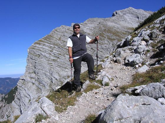 Foto: Andreas Koller / Wandertour / Über die Welserhütte auf den Großen Priel (2515 m) / Nach der Welser Hütte in beeindruckender Felsszenerie / 04.05.2007 02:19:27
