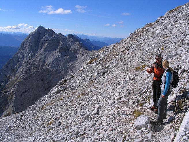 Foto: Andreas Koller / Wandertour / Über das Schneeloch auf das Hochtor (2369 m) / Blick auf die Ödsteine / 22.04.2007 23:24:46