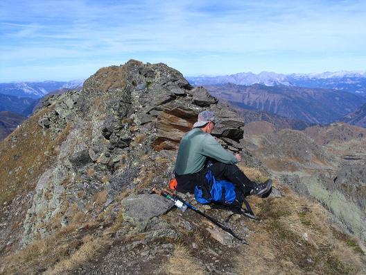 Foto: Andreas Koller / Wandertour / Aus dem Eselsberggraben auf Schoberspitze und Talkenschrein (2423 m) / Verdiente Gipfelrast / 05.05.2007 10:57:14