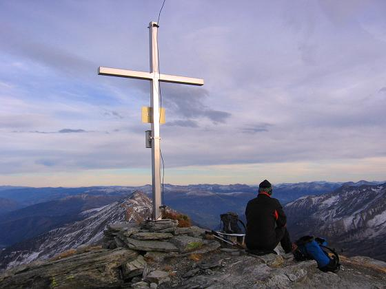 Foto: Andreas Koller / Wander Tour / Lanisch Seen und Oblitzen (2658 m) / Weit der Blick auch nach O / 27.04.2007 22:58:19