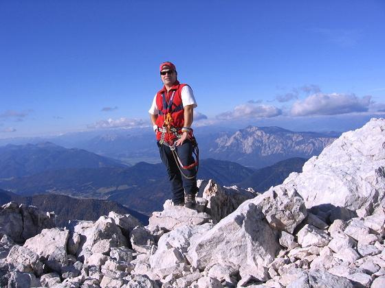 Foto: Andreas Koller / Wandertour / Spik - Überschreitung (2473 m) / Gipfelblick gegen Dobratsch / 26.04.2007 22:41:38