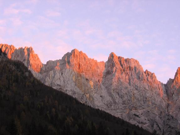Foto: Andreas Koller / Wander Tour / Spik - Überschreitung (2473 m) / Abendsonne an der Skrlatica / 26.04.2007 22:43:27