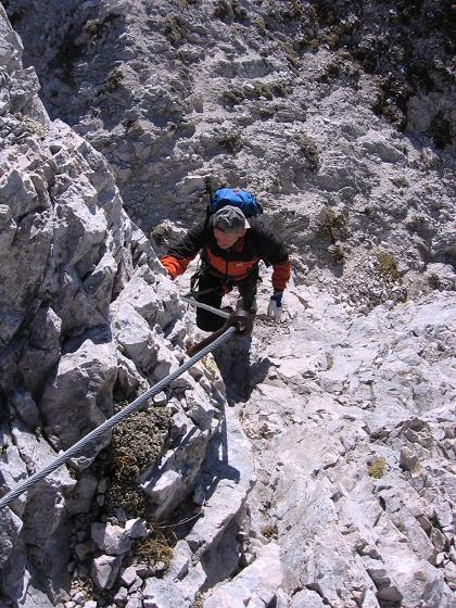 Foto: Andreas Koller / Wandertour / Spik - Überschreitung (2473 m) / In der versicherten Schlüsselstelle / 26.04.2007 22:40:41