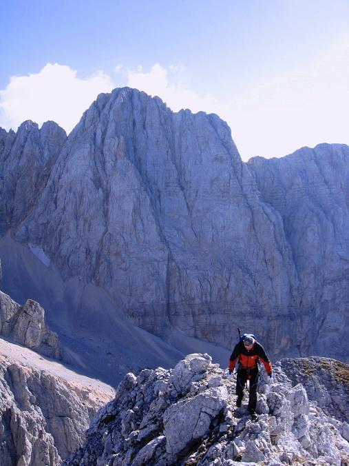 Foto: Andreas Koller / Wandertour / Spik - Überschreitung (2473 m) / Am Grat der Lipnica entgegen / 26.04.2007 22:40:58