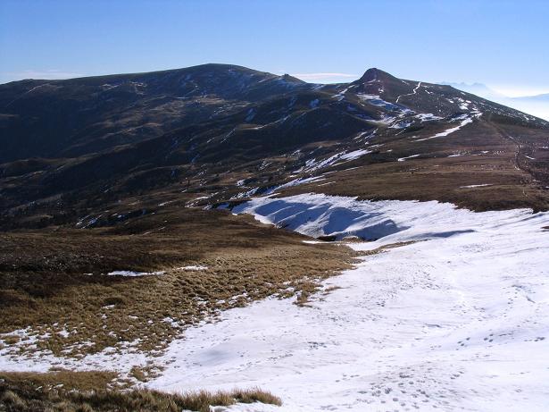 Foto: Andreas Koller / Wandertour / Vom Klippitztörl über die Große Saualpe (2079 m) / Die Ladingerspitze vom Eisernen Kreuz / 26.04.2007 21:44:14