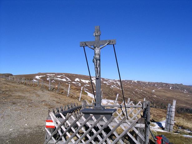 Foto: Andreas Koller / Wandertour / Vom Klippitztörl über die Große Saualpe (2079 m) / Das Eiserne Kreuz / 26.04.2007 21:44:43