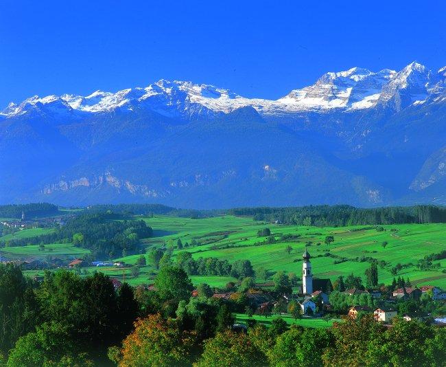 Foto: Verkehrsamt Valle di Non / Wander Tour / Monte Roen - Aussichtsloge im Südtiroler Unterland (2116m) / 17.01.2007 15:32:22