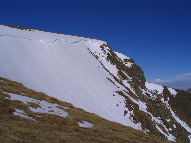 Foto: Andreas Koller / Wander Tour / Großer Ringkogel und Pletzen (2345 m) / Gipfelwächte am Ringkogel / 26.04.2007 02:46:50