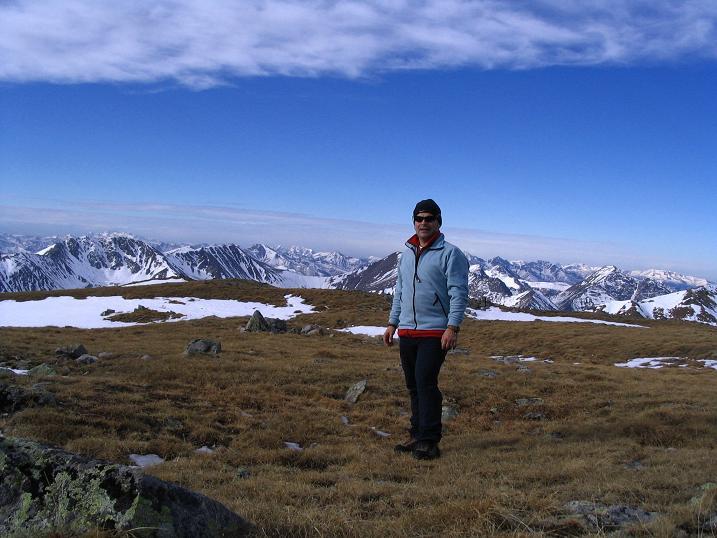 Foto: Andreas Koller / Wander Tour / Großer Ringkogel und Pletzen (2345 m) / Weite Fläche auf der Pletzen / 26.04.2007 02:47:57